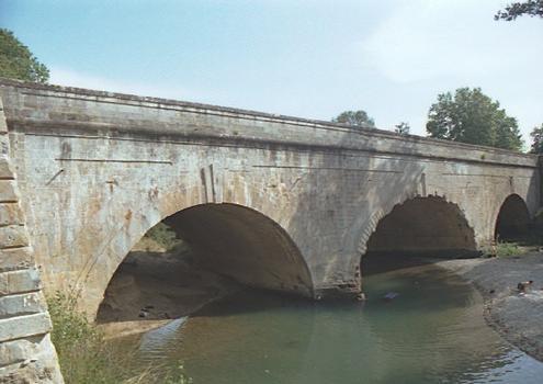 Mirepeisset Canal Bridge.