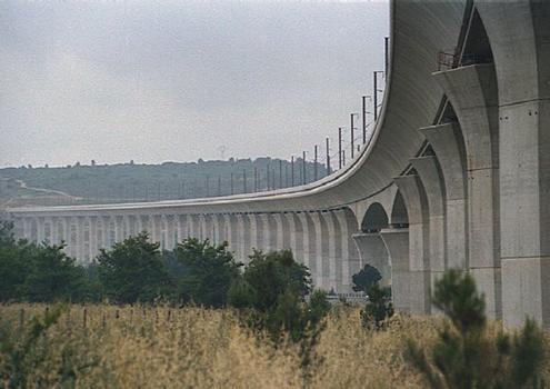 Viaduc TGV de Ventabren (pont-rail), Ventabren, Bouches dy Rhône