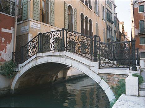 Ponte Giustinian, Venedig