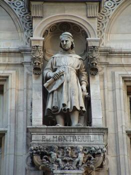 Statue von Pierre de Montreuil: Statue von Pierre de Montreuil, die sich in der Fassade des Hôtel de Ville in Paris befindet
