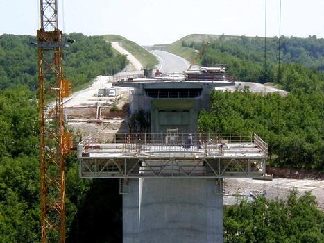 Viaduc de La RauzePlateforme pour la réalisation du voussoir sur pile de P2 : Viaduc de La Rauze Plateforme pour la réalisation du voussoir sur pile de P2