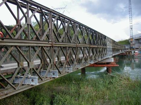 A432: Viaduc de Miribel-Jonage : Pont provisoire pour franchir le canal de Jonage