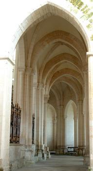 Abbaye de Pontigny - Déambulatoire