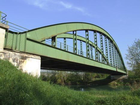 Bogenbrücke in Jaulgonne