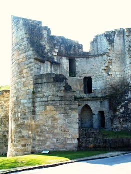 Coucy-le-Château - Rempart de la ville - Porte de Laon - Une des tours