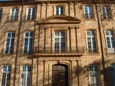 Aix-en-Provence - Hôtel de Caumont - Façade sur cour