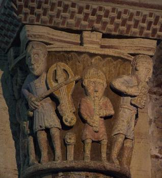 Bourbon-l'Archambault - Eglise Saint-Georges - Chapiteau des musiciens