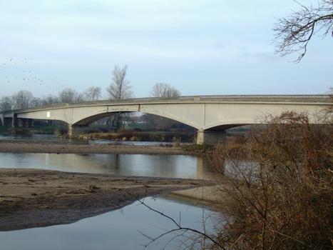 Le Veurdre Bridge