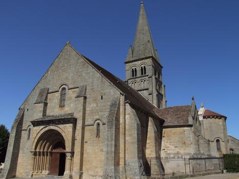Bourbon-l'Archambault - Eglise Saint-Georges - Ensemble avec la façade occidentale