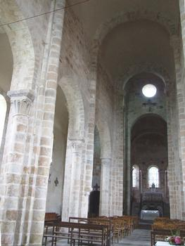 Eglise prieurale Saint-Désiré - Nef