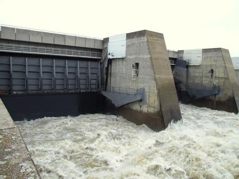 Saint-Pierre-de-Boeuf Dam