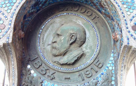 Anatole de Baudot: Monument an der Kirche Saint-Jean in Montmartre Détail