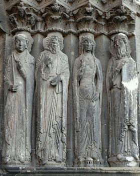 Angers - Cathédrale Saint-Maurice - Façade occidentale - Portail - Statues-colonnes