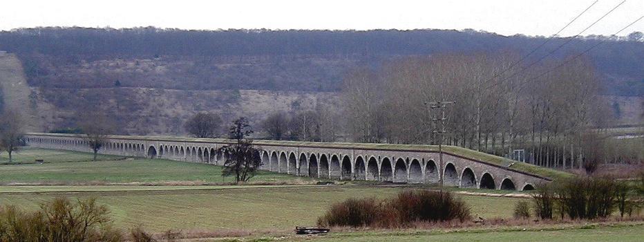 Aqueduc de l'Avre - Pont-aqueduc de franchissement de la vallée de l'Eure