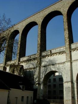 Aqueduc de la Vanne, Arcueil : Reste de l'aqueduc romain, l'aqueduc du 17e siècle et l'aqueduc du 19e siècle