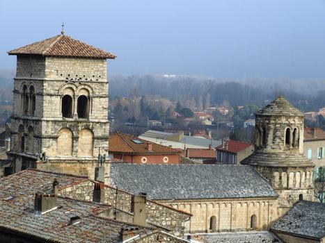 Cruas - Ancienne abbatiale bénédictine Sainte-Marie - L'église vue du château
