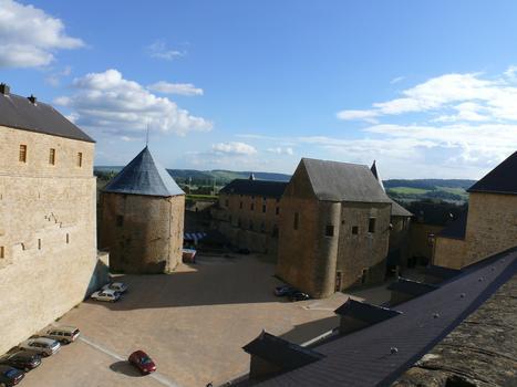 Château-fort de Sedan - Cour du Château