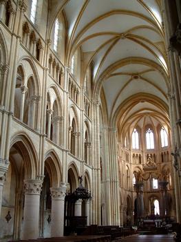 Mouzon - Abbaye Notre-Dame - Abbatiale - Nef et choeur