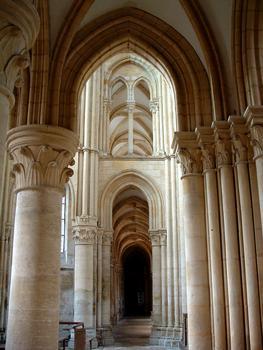 Mouzon - Abbaye Notre-Dame - Abbatiale - Bas-côté sud