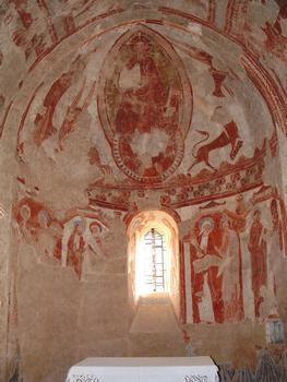 Areines - Eglise Notre-Dame - Abside: Christ en gloire dans sa mandorle entouré du tétramorphe (l'aigle de saint Jean, le lion de saint Marc, le taureau de saint Luc et l'ange de saint Matthieu), au-dessous le cortège des apôtres