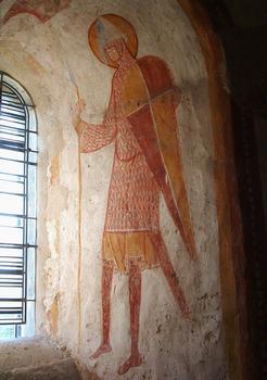 Areines - Eglise Notre-Dame - Abside: un chevalier garde la fenêtre située dans l'axe de l'abside