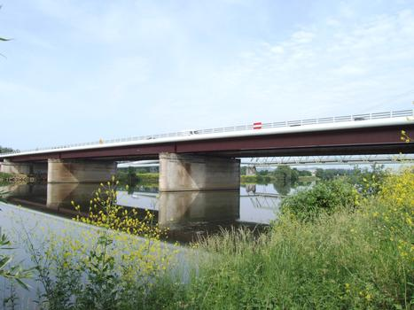Autoroute A31 - Nouveau pont de Richemont au-dessus de la Moselle
