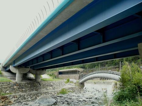 Autobahnbrücke La Praz