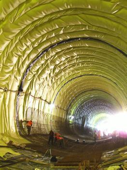 Tunnel Grouft - Pose du ferraillage de la contre-voûte