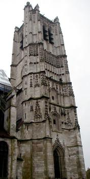 Cathédrale Saint-Etienne à Auxerre.Tour nord
