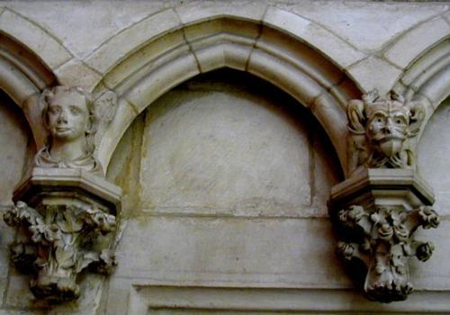 Décoratiion du mur extérieur du déambulatoire