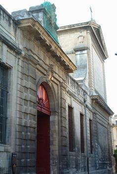 Avignon - Chapelle Saint-Charles-de-la-Croix (ancien séminaire), rue Saint-Charles - Portail d'entrée du séminaire et chapelle
