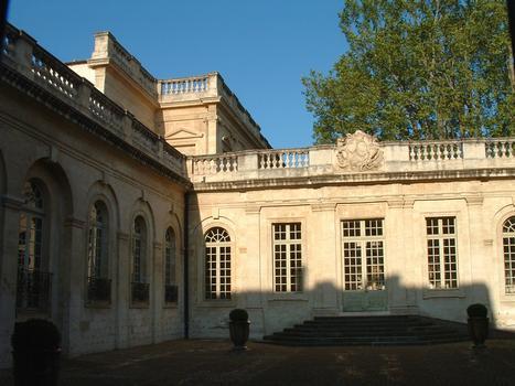 Avignon - Musée Calvet (Hôtel de Villeneuve-Martignan), 65 rue Joseph-Vernet - Façade sur cour