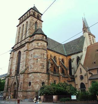 Strasbourg - Eglise catholique Saint-Pierre-le-Vieux, à côté de l'église protestante Saint-Pierre-le-Vieux