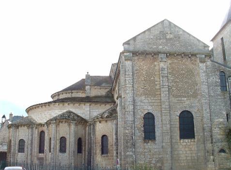 Basilique Saint-Hilaire-le-GrandChevet