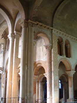 Basilique Saint-Hilaire-le-GrandTransept