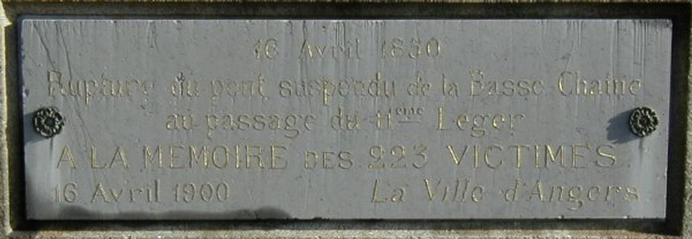 Pont de la Basse Chaîne, Angers. Plaque commémorative