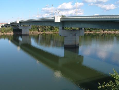 Pont de Beaucaire - Ensemble vu de l'amont côté Beaucaire