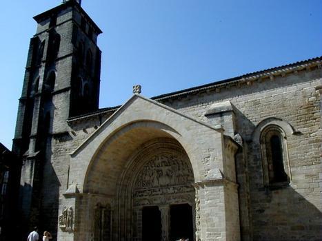 Abbatiale Saint-Pierre de Beaulieu-sur-Dordogne.Portail sud et tour Ouest