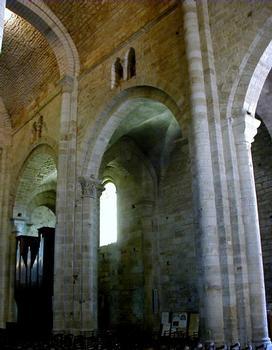 Abbatiale Saint-Pierre de Beaulieu-sur-Dordogne.Elévation de la nef