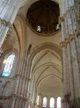 Eglise Saint-Nicolas, Blois.Croisée du transept avec la coupole