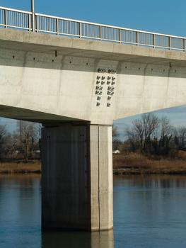Bourg-Saint-Andéol - Pont sur le Rhône - Pile et voussoir sur pile avec précontrainte transversale additionnelle