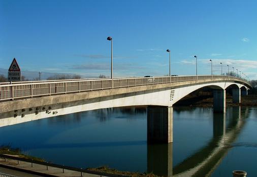 Bridge across the Rhone at Bourg-Saint-Andéol