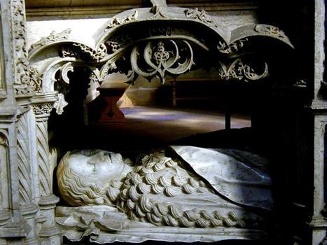 Tombeau de Marguerite d'Autriche - Transi de l'étage inférieur