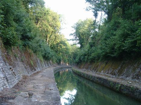 Canal de Bourgogne - Créancey - Tranchée de Créancey à l'entrée du tunnel de Pouilly-en-Auxois (côté Dijon)
