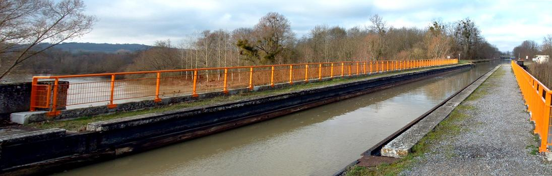 Canal de l'Oise à l'AisnePont-canal au-dessus de l'Aisne