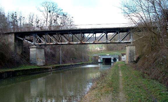 Canal de l'Oise à l'AisnePont et tunnel de Braye-en-Laonnois