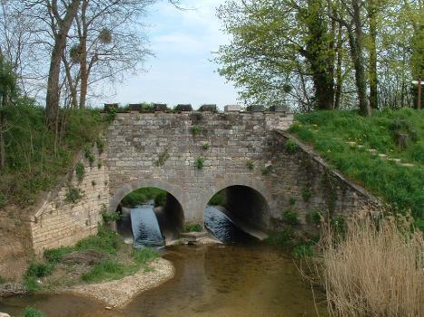 Canal de la Cent-FontsPont-canal des Arvaux