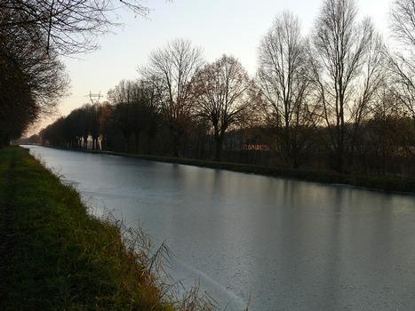 Canal de la Haute-Saône à côté du viaduc de la Savoureuse