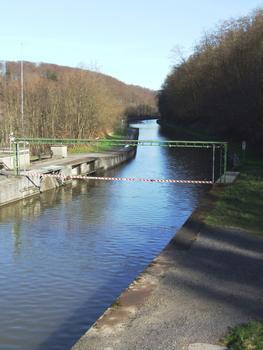 Canal de la Marne au Rhin - Arzviller - Le canal allant jusqu'au plan incliné de Saint-Louis/Arzviller