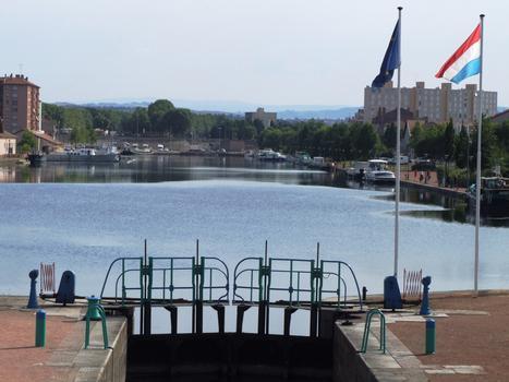 Canal de Roanne à Digoin - Port de Roanne